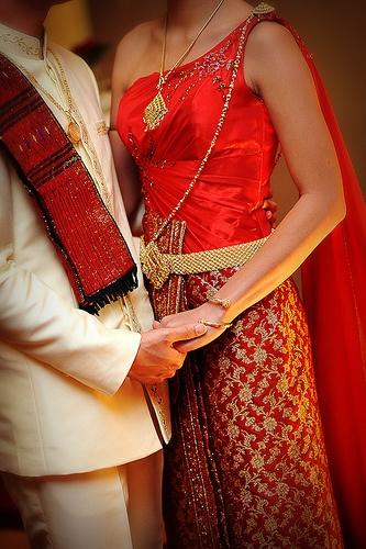 Traditional Thai Bride & Groom attire