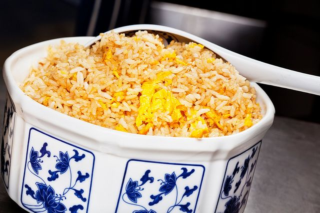 chinese egg fried rice recipe - one of my favourite dishes...so simple yet so nice