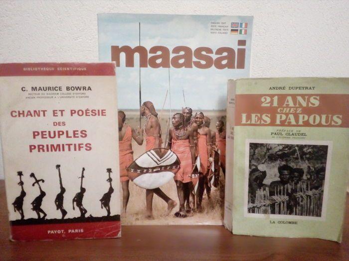 Veel 3 boeken over de Papoea's de Maassai en primitieve volkeren - 1957 / 1979  Dino Sassi - Maasai - Nairobi Kensta 1979-72 p. - vrij originele karton bestrijkt en terug in perfecte staat zeer goede staat zeer mooie foto's op de voor- en achterkant covers opmerkelijke - 21  30 cm-Zeer goede staat binnen compleet foto's en tekst van Dino Sassi de foto's zijn bijzonder opmerkelijk de tekst is in 4 talen Frans Engels Duits en ItaliaansAndré Dupeyrat - 21 ans chez les papous - Parijs La…