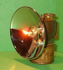 Carbide lamp - Wikipedia, the free encyclopedia