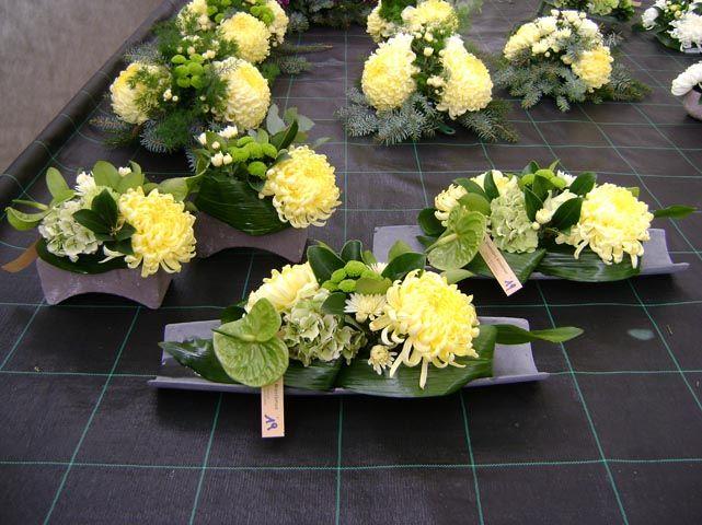 http://www.bloemisterijbraeckman.be/images/bloemen-planten/grafstuk9_big.jpg
