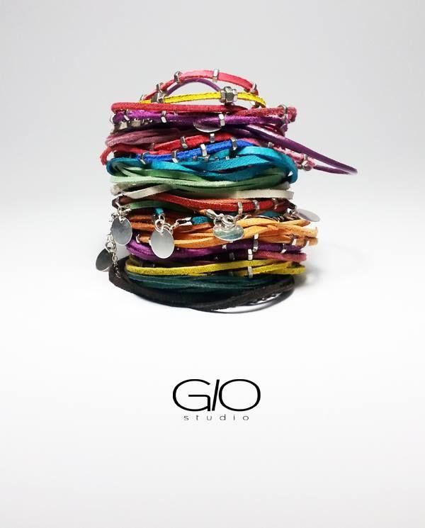 No Strings Attached Silver Edition (55 LEI la GIOstudio.breslo.ro)