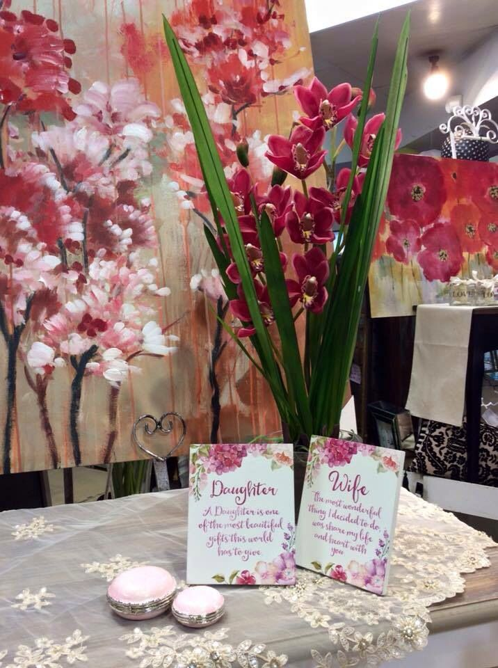 Gorgeous new floral art and orchids in glasses vases, simply stunning!