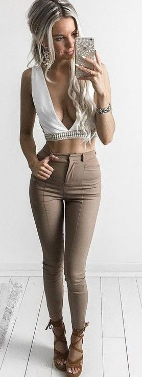 #summer #kirstyfleming #outfits | White Crop + Camel Jeans