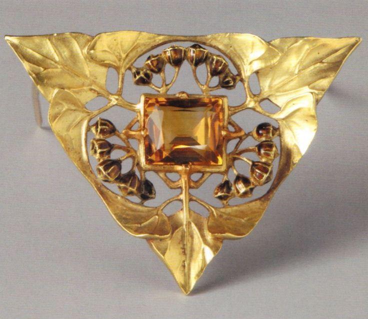 Lucien Gaillard - An Art Nouveau gold, enamel and heated amethyst 'Ivy' brooch, circa 1907. Source: Wolfgang Glüber, Jugendstilschmuck #Gaillard #ArtNouveau