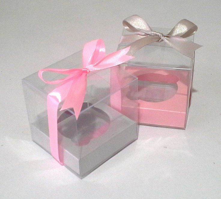 Caja de acetato con base de papel satinado