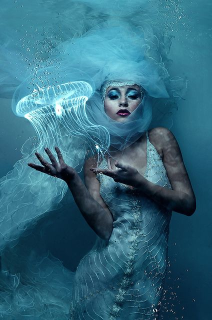 ♒ Mermaids Among Us ♒ art photography & paintings of sea sirens & water maidens | KD - jelly fish queen