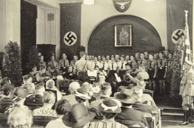 hitler youth and bund deutscher maedel At its peak, the hitler youth organization in germany boasted over eight million members bdm-the league of german girls ( bund deutscher mädel or bdm.