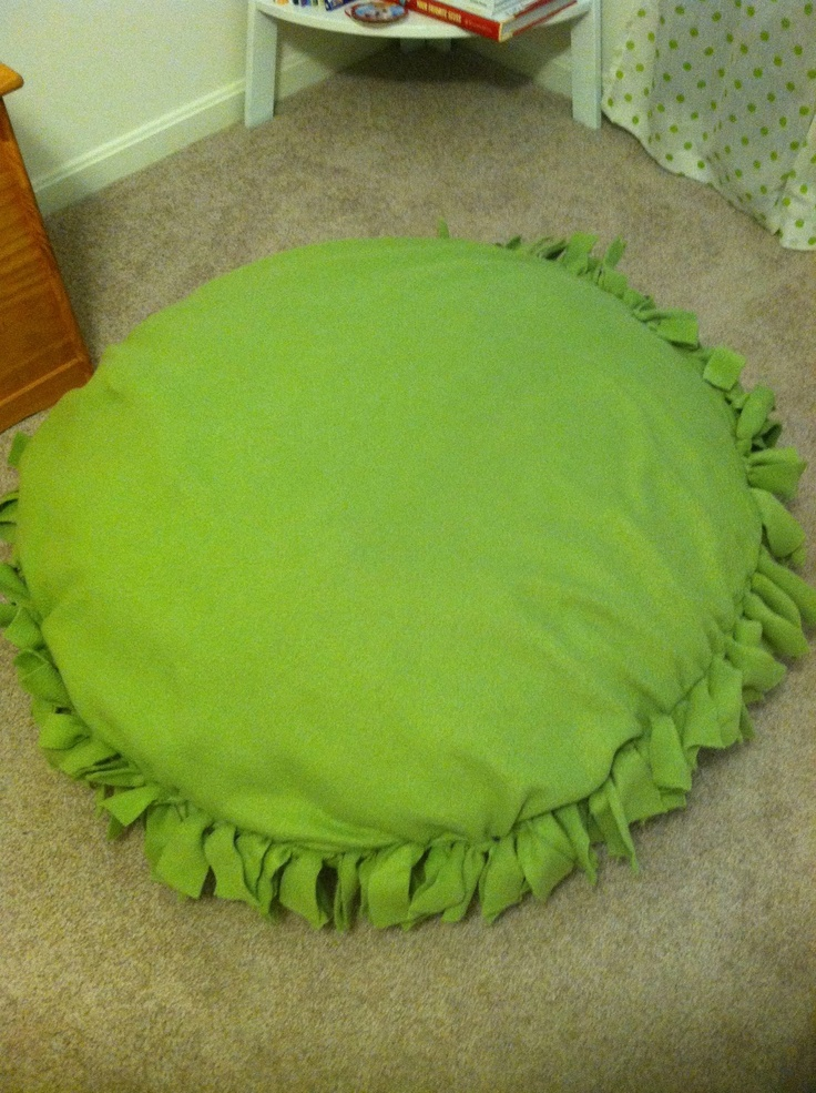 Floor Pillows For Adults : 17 Best images about Tye blankets on Pinterest No sew fleece, Cuttings and Fabrics