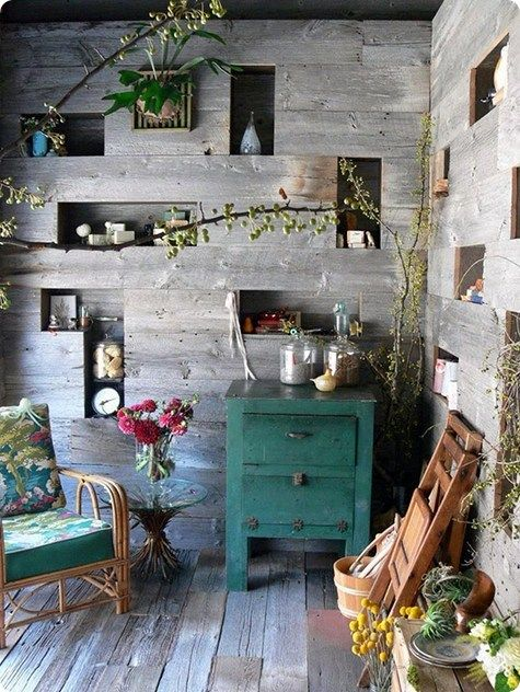 _ Raw woodIdeas, Reading Area, Wall Storage, Porches Enclos, Wall Shelves, Wooden Wall, House, Little Spaces, Wood Wall