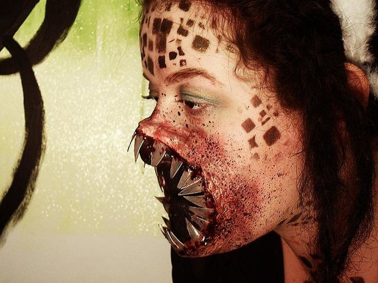 Could Halloween makeup get any creepier than this? We don't think so.