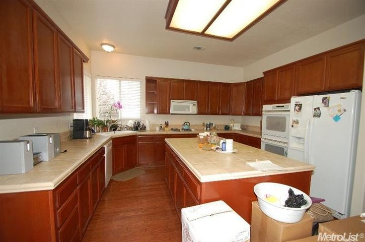 361 best images about kitchen redo ideas on pinterest for Best latex paint for kitchen cabinets
