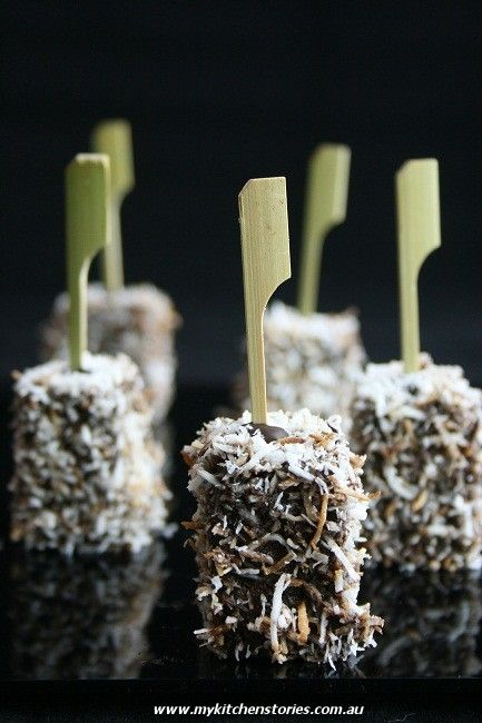 White chocolate and buttermilk cake mini lamington pops