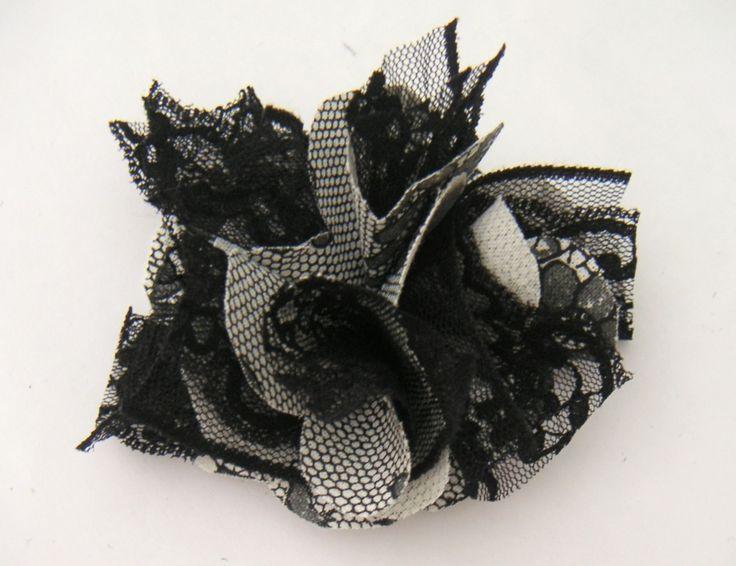 les 107 meilleures images du tableau fleurs tissu sur pinterest fleurs en tissu artisanat de. Black Bedroom Furniture Sets. Home Design Ideas