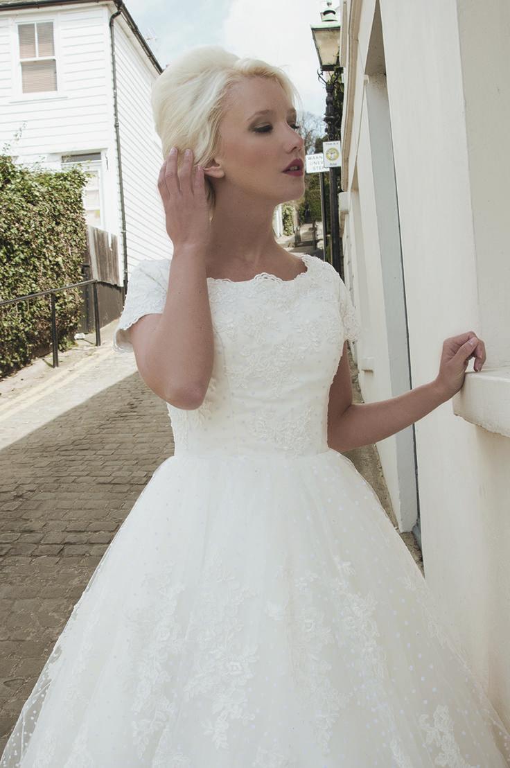 Vintage pearl bridal blog real brides news amp updates wedding - Cheap Short Sleeve Wedding Dress Buy Quality Sleeve Wedding Dress Directly From China Fashion Wedding Dress Suppliers Vestido De Noiva 2016 Fashion Sheer
