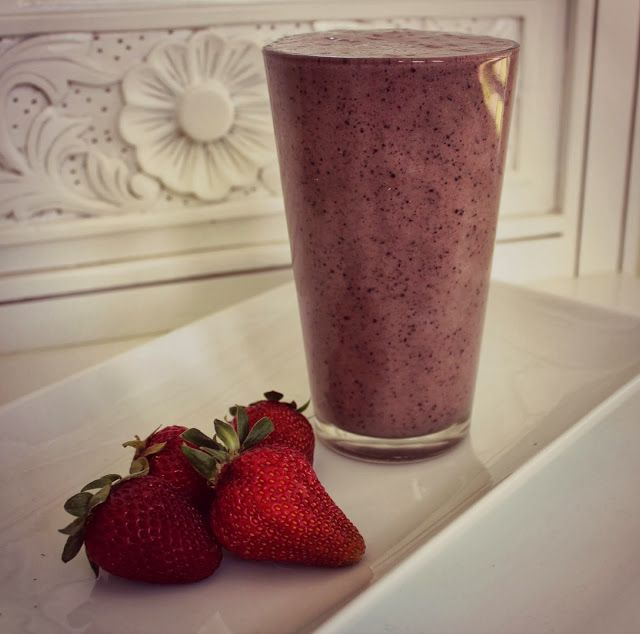 Pocket Trinkets: Smoothie Sunday: Berrylicious Smoothie
