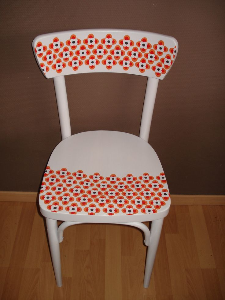 handpainted chair retrobloem  inspiratie: oud koffieservies