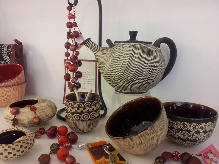 il modo migliore per gustare un the? nelle ceramiche realizzate da Storm in a tea cup . Disponibili da UBUNTU Project