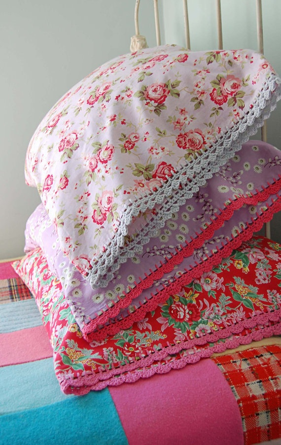 beautiful pillowcases with crochet-trim