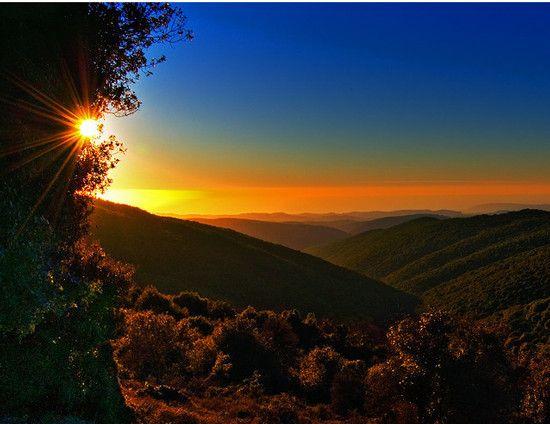 beautiful #sunset #mountains