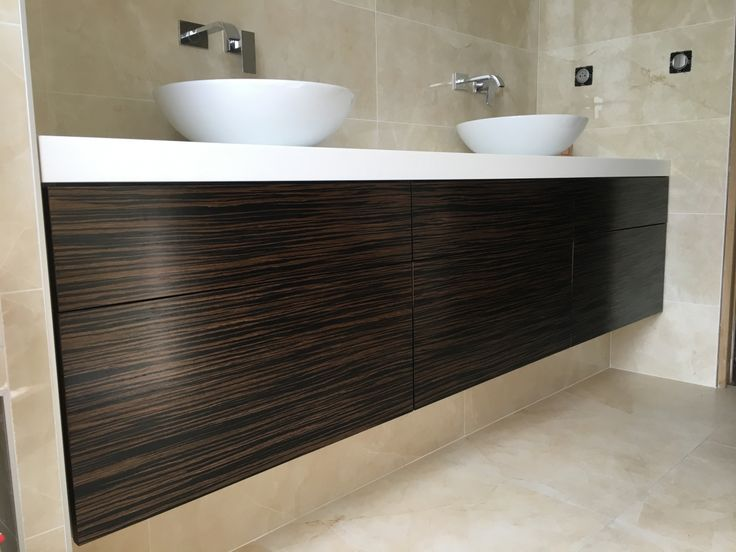 1000 id es sur le th me tiroirs de la salle de bains sur pinterest robinets - Hauteur d un meuble de salle de bain suspendu ...