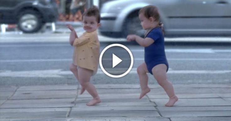 Το Φοβερό Βίντεο-Διαφήμιση. Θα Πονέσει Το Στομάχι Σας Από Το Γέλιο!