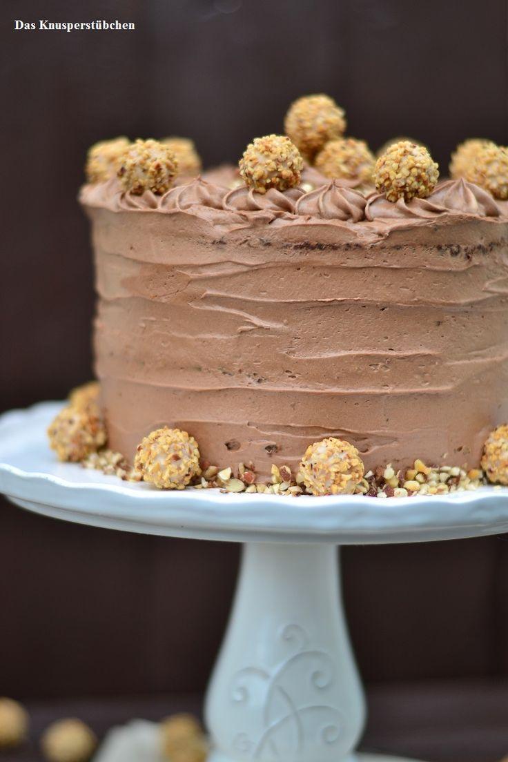 Für Chocoholics: Nougat-Giotto-Torte - Wunderbare Torte, aber man sollte wirklich viele Leute einplanen um sie nicht schlecht werden zu lassen. Schon ein kleines Stück gibt dir den Zuckerschock des Jahres :) R.