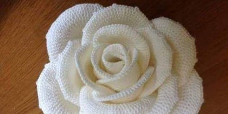 Crochet Thread Rose Pattern Free : 1076 Best images about Hook,Yarn and Linker! on Pinterest ...