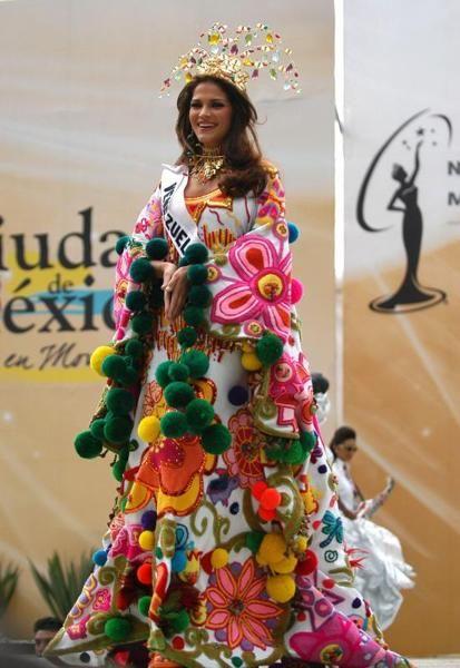 Traje tipico Miss Venezuela  2006 Ly Jonaiti  in Miss Universe 2007 ( Manta Guajira)