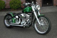 Schauen Sie sich die 200-Reifen-Version mit realistischen Flammen an – Harley Davidson Wallpaper …   – MOTORCYCLE GARAGE