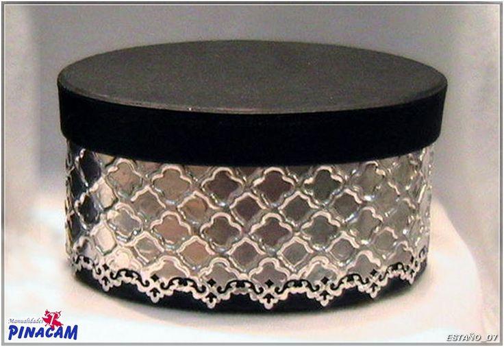 Caja forrada con aluminio repujado con plantilla. #manualidades #pinacam #estaño…