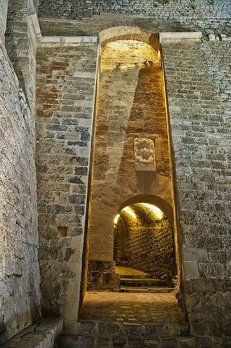 Acceso al recinto amurallado por el Portal Nou. Dalt Vila (Ibiza)