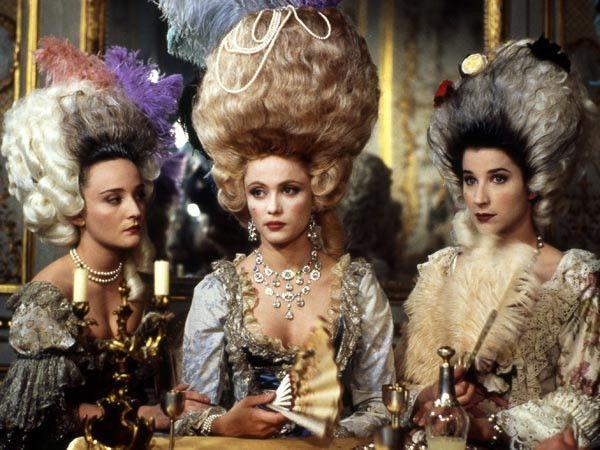 Marie Antoinette, reine d'un seul amour de Caroline Huppert, avec Emmanuelle  Béart - Page 2 | Emmanuelle béart, Marie antoinette, Isabelle gelinas