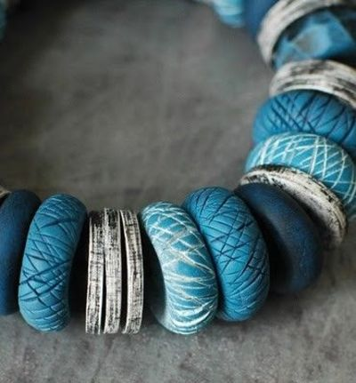 DIY: adding textures to beads made from polymer clay #tutorial #crafts #handmade