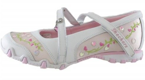 Skechers Girls Bikers Fantasy Make her dreams come true with the SKECHERS Bikers-Fantasy mary jane. Smooth faux leather upper in a sport casual mary jane with embroidered vines, heart sequins and S logo detail. Instep strap with V http://www.comparestoreprices.co.uk/shoes/skechers-girls-bikers-fantasy.asp
