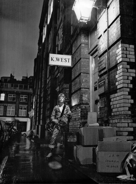 Ziggy Stardust, alternate cover shots by Brian Ward.