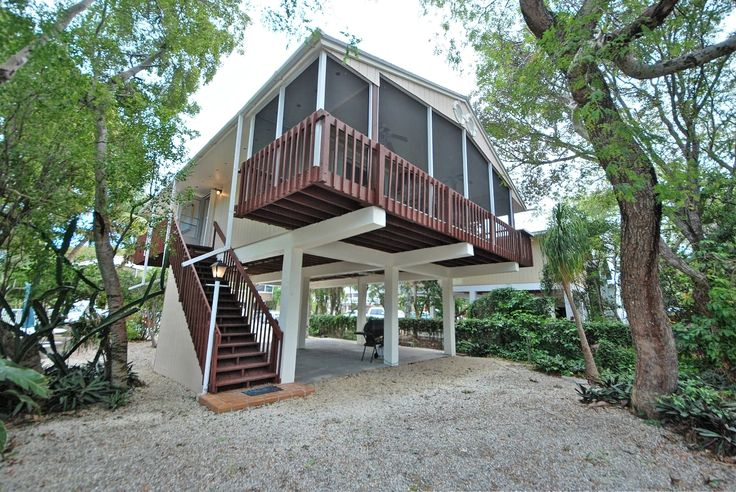 14 best stilt homes images on pinterest tiny cabins for Small beach house on stilts