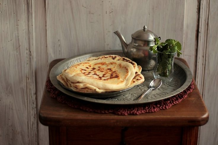 Cheese Naan  http://www.maryseetcocotte.com/2015/05/25/cheese-naan/