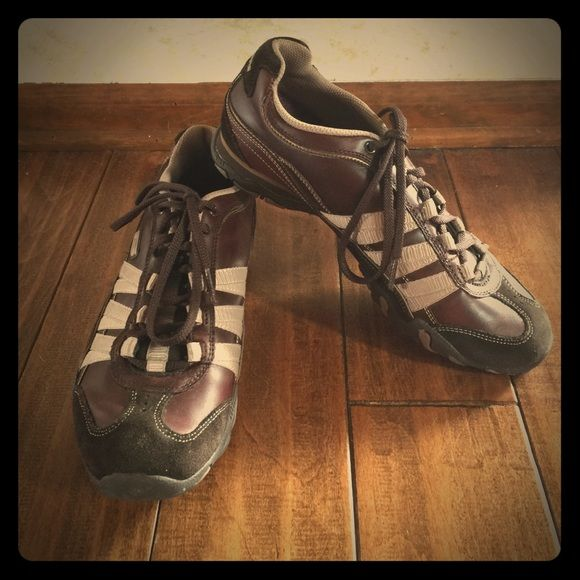 Skechers Shoe. Size 8 Brown Skechers size 8 only wore a few times. In excellent condition. Super Cute! Skechers Shoes Sneakers