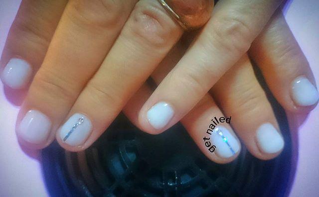 Soak off gel nails Ημιμόνιμο βερνίκι  #nails #nailart #nailtech #manioftheday #nailpolish #gelnails #gel #shellacnails #soakoffgel #art #nailstagram #milky