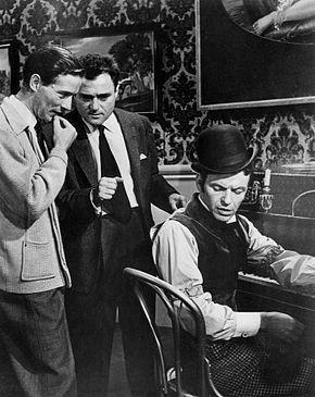 Le Tour du monde en quatre-vingts jours (Around the World in 80 Days) est un film américain de Michael Anderson, sorti en 1956 et adapté du roman de même titre de Jules Verne. Phileas Fogg, gentleman anglais, parie, contre les membres de son club, qu'il est capable de faire le tour du monde en 80 jours. Il part aussitôt, emmenant Passepartout, son valet français, ancien clown et homme de ressources, et emportant, comme bagage, un sac plein de chèques.