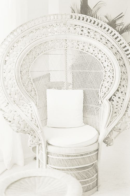 Bohemian Bride / Peacock Chair  Discover more: http://modernchairs.eu/  #interiordesign #homedecor #modernchairs