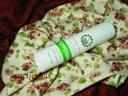 today me write reviews about this product, lipbalm with peppermint scent :) nice product with affordable price