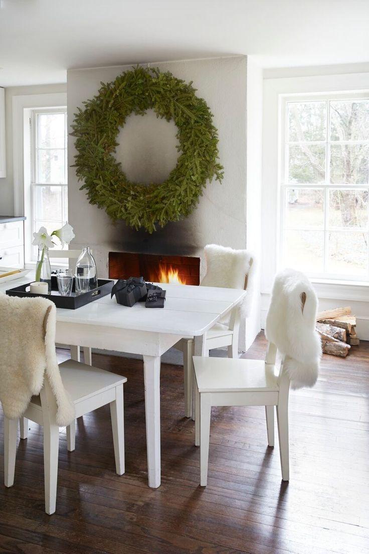 tricia-foley-black-white-christmas-10