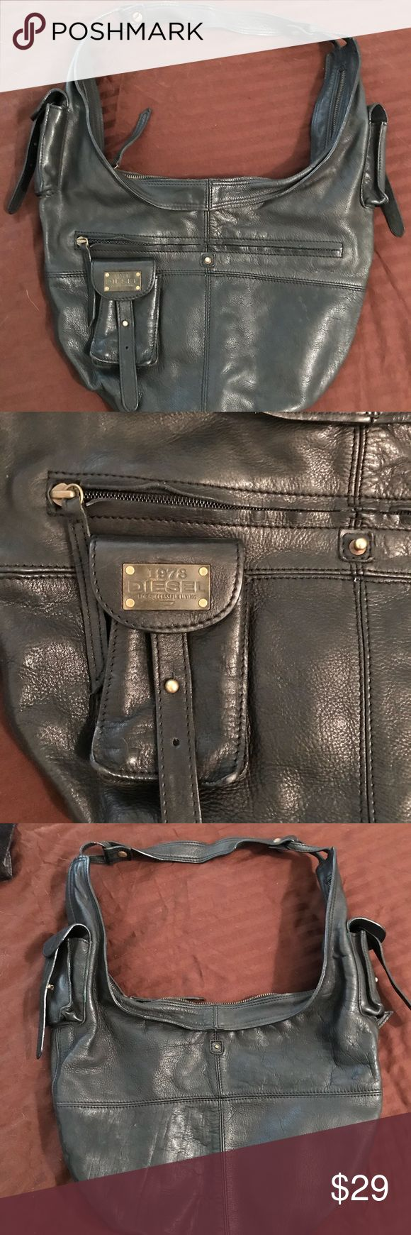 Diesel leather shoulder bag A beautiful pre owned condition Authentic Diesel leather shoulder bag. The bag is in great condition! Good luck! Diesel Bags Shoulder Bags