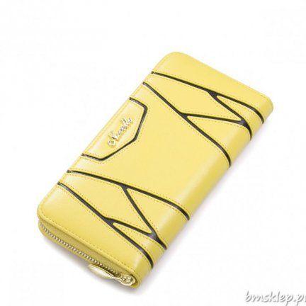 Oryginalny damski portfel marki Nucelle w żółtym kolorze. Dodatkowo na wierzchu znajdują sięczarne #paski i logo firmy. Portfel wykonany jest ze skóry bydlęcej i zamykany na #suwak. Środek wykonany jest z żakardu, na którym znajduje się logo marki. Wewnątrz są #kieszenie na karty oraz jedna na #zamek.... #PORTFELE - http://bmsklep.pl/portfele