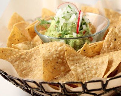 The 5 Most Common Guacamole Mistakes -  JANUARY 18, 2012 BY DANIELLE WALSH    Guacamole is a food that defies health odds: it's salty and fatty, but it's good for you. Okay, relatively good for you. Certainly the healthiest part of your Super Bowl spread. But before you run out to the supermarket and get an avocado 15 minutes...  - https://www.freshdailyhealth.com/general/5-common-guacamole-mistakes/