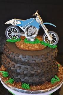 I don't think I will ever make this, but wow!, what a cool cake! (probably take me a year if I attempted! haha)