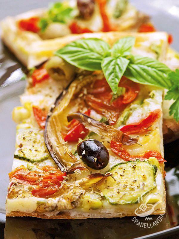 Pizza with grilled vegetables - Se volete preparare a casa, con le vostre mani, l'impasto per la vostra Pizza alle verdure grigliate e olive seguite i consigli della nostra chef!