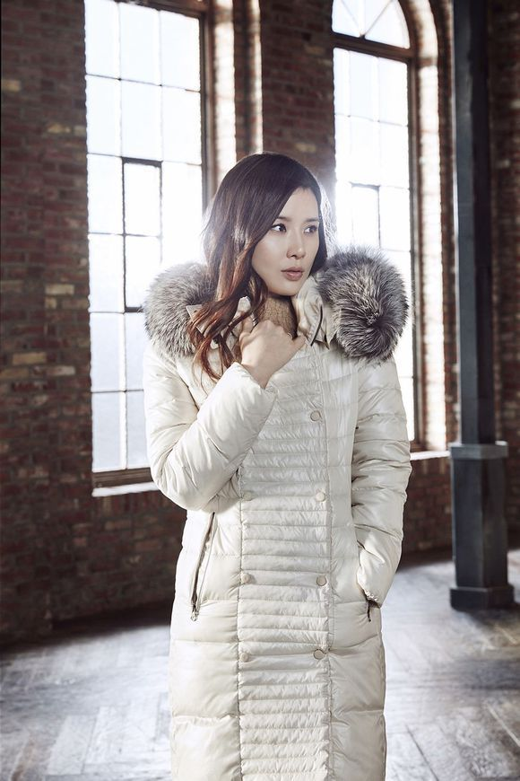 New Mommy Lee Bo Young Makes First Appearance in Winter Outerwear Ad Campaign | A Koala's Playground